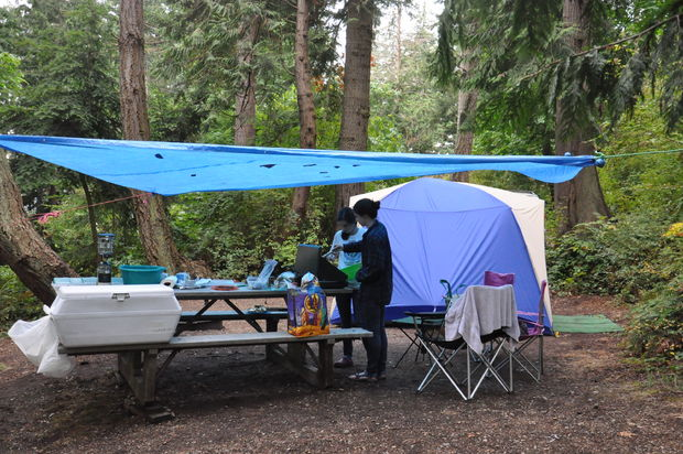 5 Fantastic Tips on How to Camp In the Rain